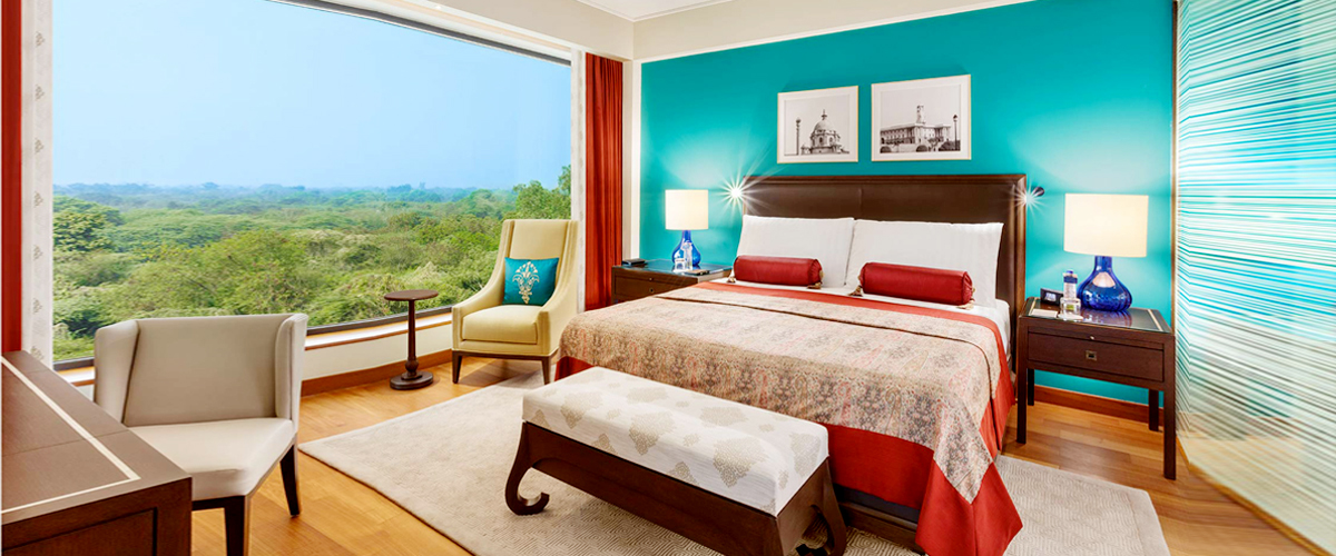 Interior room view, luxury hotel of Delhi, View of Delhi city from room, luxury room furniture, New rooms of Oberoi Delhi