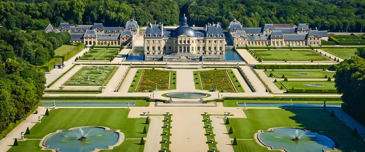 Château Vaux Le Vicomte France Palace of Versailles vintage wedding destination victorian