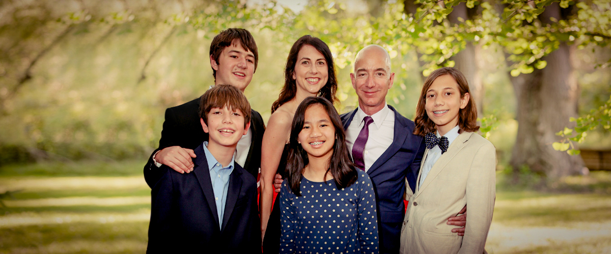 Jeff Bezos with his beautiful family.