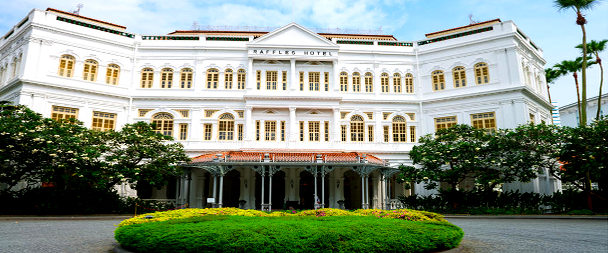 The Raffles Hotel Singapore, colonial architecture, Located at Marina Bay, Vintage art décor, White British era architecture